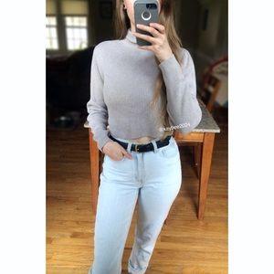 🌿 90's Essential Neutral Turtleneck Crop Sweater